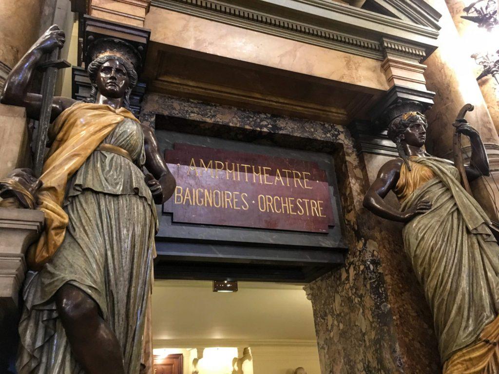 フランス-パリ-オペラ座-ガルニエ宮内観-女神像