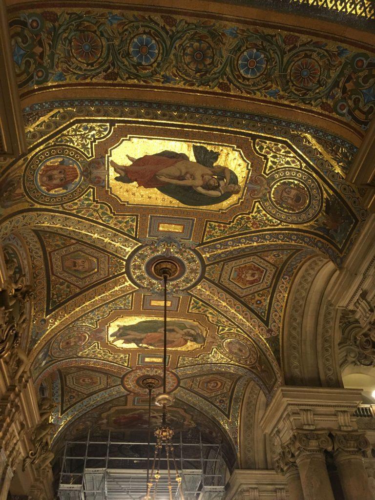 フランス-パリ-オペラ座-ガルニエ宮内観-天井絵画