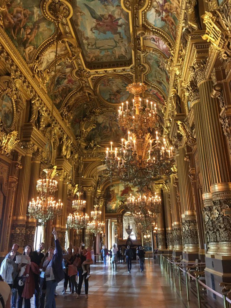 フランス-パリ-オペラ座-ガルニエ宮内観-回廊