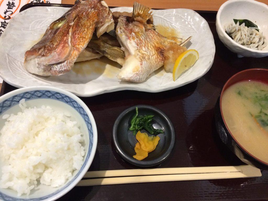 魚心乱、焼き魚定食