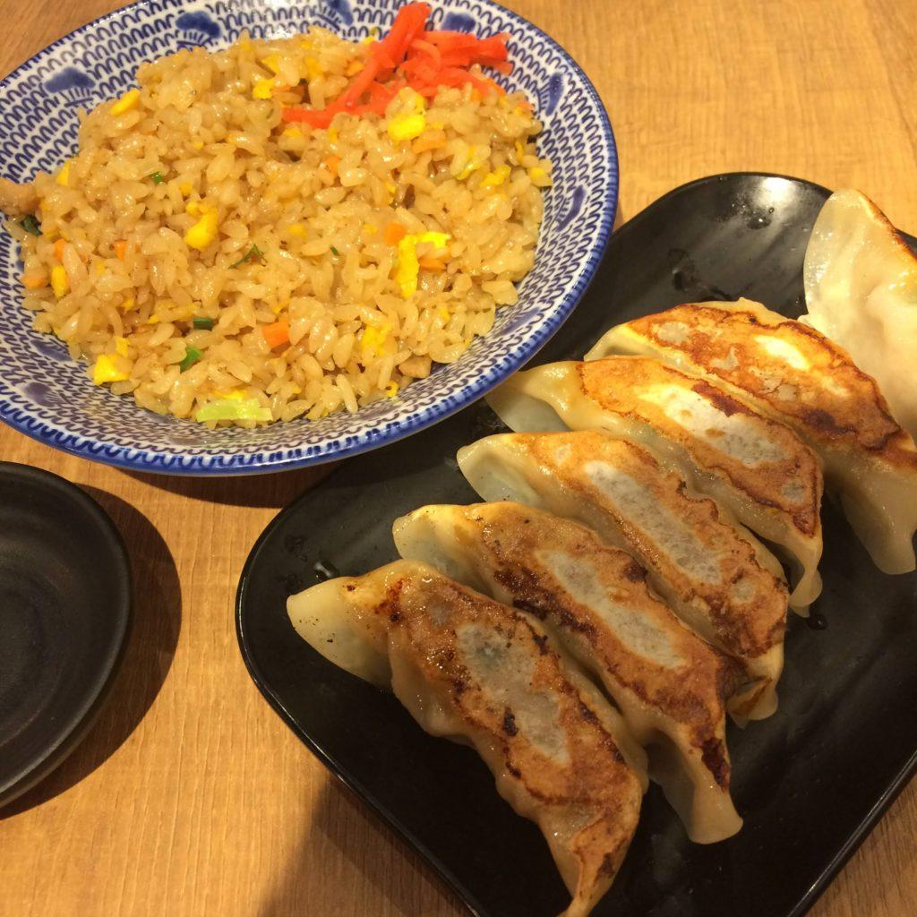 ちゃんぽん亭、餃子とチャーハン