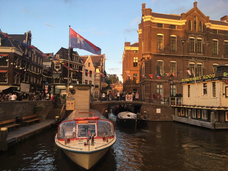 オランダ、アムステルダムの運河